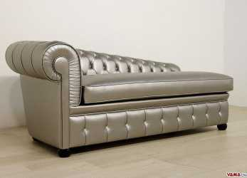 Antico Dormeuse Chesterfield In Ecopelle, Bottoni Swarovski