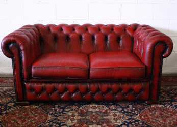 Migliore 2 Seater Chesterfield Sofa In Original Burgundy Leather Made In, UK