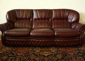 Premio Divano Chesterfield 4 Posti In Pelle Amaranto Originale Made In UK