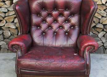 Dettaglio Poltrona Chesterfield Queen Anne Originale Inglese Vintage In Vera Pelle Color Bordeaux