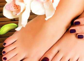 Elegante Sit Back, Relax In A Comfortable Massage Pedicure Chair, Experience A Great Pedicure As Your Nail Tech Makes Your Feet Feel Wonderful